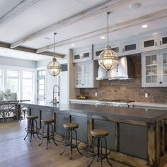 09 Gorgeous Modern Farmhouse Kitchen Backspash Ideas