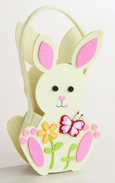 ✩ Check out this list of creative present ideas for tennis players and lovers Cool Easter Eggs, Easter Bunny, Easter Projects, Easter Crafts For Kids, Foam Crafts, Diy And Crafts, Diy Ostern, Felt Baby, Easter Wreaths
