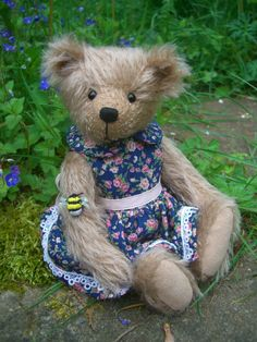 Store Bear Design, Applique Designs, Teddy Bears, Doll Clothes, Plush, Velvet, Dolls, Store, Sweet
