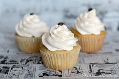 {Easy} Vanilla Latte Cupcakes