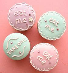 More Alice in Wonderland cupcakes - cookies decorated like this?