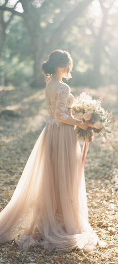 Fall Wedding. Stunner. In love with this gown completely