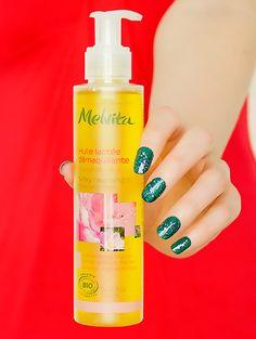 Huile démaquillante lactée naturelle et bio - Melvita #blog #beaute #soin #visage #demaquillage #huile #vegetale #demaquillante #lactee #bio #naturel #melvita http://mamzelleboom.com/2014/10/09/huile-demaquillante-vegetale-bio-purete-divine-cattier-lactee-melvita-battle-comparaison/