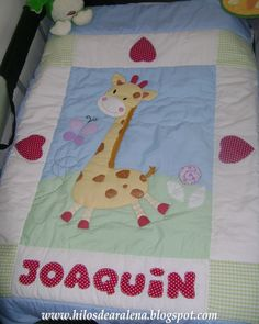 Acolchado con jirafa Pillow Cases, Toddler Bed, Quilts, Blanket, Furniture, Home Decor, Crib Sheets, Bed Linens, Bed Feet