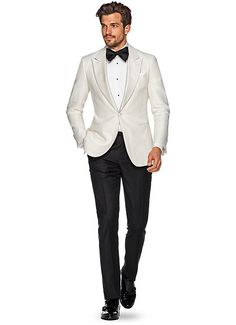 The Off White Plain Dinner Jacket from Suitsupply Groom Tuxedo, Tuxedo For Men, Tuxedo Suit, White Tux Jacket, White Tuxedo Wedding, Smoking, Dinner Jacket, Mens Fashion Suits, Mens Suits
