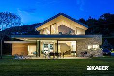 Fotogallery casa in legno Novara - Kager Italia Modern Glass House, Open Living Area, Passive House, Building A New Home, Luxury Homes Interior, Design Case, Cabana, New Homes, Villa