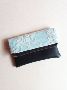 TURQUOISE GEM / Lace and turquoise zipper