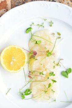 Cette semaine, place aux produits de la mer avec une nouvelle recette à base de Saint-Jacques plutôt originale, gastronomique etraffinée : un carpaccio de noix de st-jacques subtilement parfumé à …