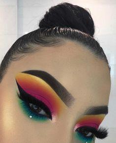 Gorgeous Makeup: Tips and Tricks With Eye Makeup and Eyeshadow – Makeup Design Ideas Makeup Eye Looks, Dramatic Eye Makeup, Colorful Eye Makeup, Natural Eye Makeup, Cute Makeup, Gorgeous Makeup, Skin Makeup, Simple Makeup, 80s Makeup