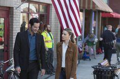 Photo of Tom Ellis and Lauren German in Lucifer Season 2