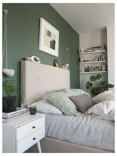Light Green Bedrooms, Green And White Bedroom, Green Bedroom Walls, Green Master Bedroom, Green Bedroom Decor, Bedroom Wall Colors, Green Rooms, Room Ideas Bedroom, Green Bedroom Colors