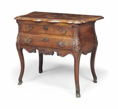 A DUTCH OAK CHEST OF DRAWERS LATE 18TH CENTURY