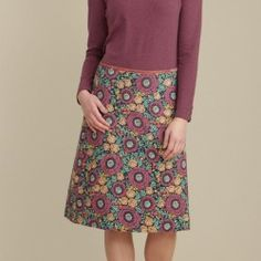 Bold floral, midi skirt in a very special Seasalt print. In cotton crepe, an easy to wear shape and falling below the knee. In stock and available for fast dispatch from our shops in Scarborough & Whitby.
