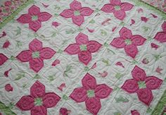 Sweet Sweet Emma Quilt designed and pieced by Kristin Andersen. Quilted by Leisha Farnsworth.