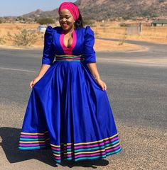 The Babies must go out to play today. We are attending a traditional event Bafowethu 😉😉😉 Jwalo re nkgishetšana mahwafa ka mebala ya sepedi… Pedi Traditional Attire, Sepedi Traditional Dresses, South African Traditional Dresses, Traditional Wedding, Long African Dresses, Latest African Fashion Dresses, African Print Dresses, African Clothes, Ankara Fashion