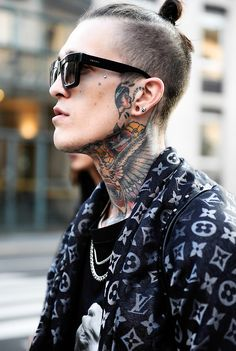 Jimmy Q in Milan on the first day of Men Fashion Week. Photos by Giacomo Cabrini Dope Fashion, Mens Fashion, Milan Fashion, Jimmy Q, Side Part Haircut, Good Tattoo Quotes, Viking Hair, Great Hairstyles, Men Street