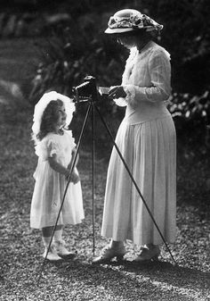 teatimeatwinterpalace:  Crown Princess Margaret of Sweden, formerly Princess Margaret of Connaught, with her daughter Princess Ingrid, later Queen Consort of Denmark, at Sofiero in 1914.