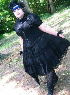 Beautiful Plus Sized Lolitas Plus Size Goth, Plus Size Girls, Plus Size Women, Lolita Fashion, Gothic Fashion, Girl Fashion, Fat Fashion, Curvy Fashion, Plus Size Steampunk