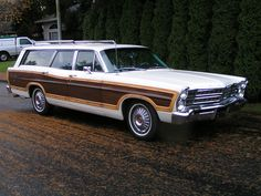 1967 Ford Country Squire Station Wagon - the family car that carted around 8 kids and parents! Ours was avocado green!The Rear Seat faced back.that was a fun ride! Rat Rods, Station Wagon Cars, Automobile, Woody Wagon, Ford Lincoln Mercury, Ford Galaxie, Old Fords, Vintage Trucks, Vintage Auto