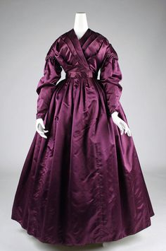 Period Garment: 1840 plum silk w/ wrap bodice