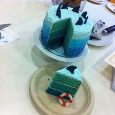 Sea cake (Maybe boats instead of shark fins) - bitcoincake Shark Birthday Cakes, Boy Birthday Parties, 5th Birthday, Birthday Ideas, Cupcakes, Cupcake Cakes, Boat Cake, Ocean Cakes, Shark Cake