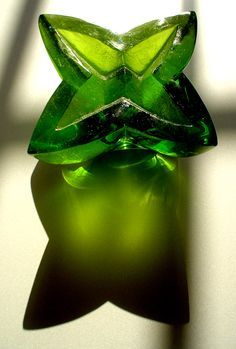 váza, tavené sklo