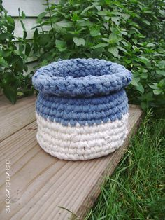 I need to be making me some of these! They would be great little catch all baskets, scattered around the house to be emptied from time to time! And what a great way to use those old t-shirts! Faster than a making a rug, and perhaps more useful! Scatter Rugs, Country Blue, Old T Shirts, Rug Making, Organizing, Baskets, Recycling, Blue And White, Crochet