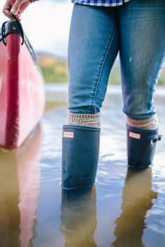 Today's outfit is a bit different. I'm sharing an activewear look with my outdoorsy outfit from our afternoon canoe ride on Blueberry Lake. Cowgirl Boots, Western Boots, Riding Boots, Wellies Rain Boots, Hunter Rain Boots, Timberland Style, Timberland Boots, Timberland Fashion, Hunter Boots Outfit