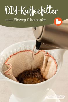 Mehrweg-Kaffeefilter selber nähen: Wiederverwendbare Filtertüte (mit Schnittmuster) You can easily avoid disposable filter bags for the coffee machine and the resulting waste. Just close a reusable coffee filter made of cloth! Recycled Crafts Kids, Diy Crafts For Kids, Diy Mask, Diy Face Mask, Art Minecraft, Reusable Coffee Filter, Coffee Filters, Coffee Machine, Ayurveda