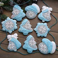 Christmas Tree Cookies, Christmas Gingerbread House, Iced Cookies, Christmas Cupcakes, Christmas Sweets, Cupcake Cookies, Christmas Baking, Gingerbread Cookies, Christmas Cookies