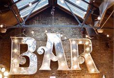 Après la grande mode du Candy Bar, lesmariées ont découvertes la nouvelle tendance pour amuser leurs invités – le 'Drink Bar'. Fini le bar de nuit self-service pour vos invités, place aux barsà thèmes ; barà bières, Prosecco ou Sangria,choississez votre boisson préférée ! Les bars à boissons non-alcoolisés (soda, limonades) seront aussi très appréciéspar …