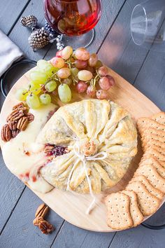 Melty, indulgent cheese will always be a favorite among holiday party guests. Add it to your festive menu with the help of this recipe for Raspberry and Brown Sugared Pecan Brie en Croute. Recipes Appetizers And Snacks, Snack Recipes, Cooking Recipes, Cheese Appetizers, Holiday Appetizers, Holiday Treats, Desserts, Chutney, Brie En Croute