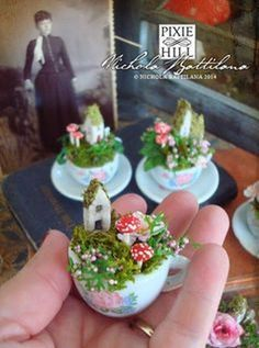 Fairy Furniture - Chairs, Fairy Beds and Fairy houses. Mini Fairy Garden, Fairy Garden Houses, Fairies Garden, Fairy Gardening, Roses Garden, Gardening Hacks, Gardening Supplies, Teacup Crafts, Fairy Crafts