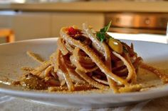 "* The southern Italian region of Calabria at your table with the pasta ""Stroncatura"" recipe * [old post now available in english too: http://www.enogastronovie.it/la-calabria-tavola-con-una-ricetta-antica-la-stroncatura/?lang=en]  #pasta #recipe #food #cuisine #italy #foodporn #calabria"