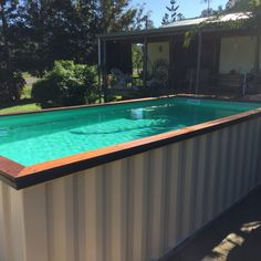 Using shipping container pool is making less effort to install a swimming pool. It is an extraordinary idea to create the pool in a shipping container design Pool Diy, Diy Swimming Pool, Swiming Pool, Swimming Pool Designs, Indoor Swimming, Shipping Container Swimming Pool, Shipping Container Homes, Converted Shipping Containers, Above Ground Pool
