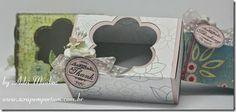 Caixa para sabonete Native Emporium com carimbo Circle Greeting da Wild Rose Studio, flores e pérolas Wild Orchid