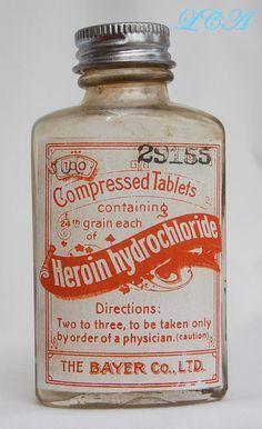 old medicine bottle labels Old Medicine Bottles, Old Bottles, Antique Bottles, Vintage Bottles, Perfume Bottles, Apothecary Bottles, Medicine Cabinet, Funny Vintage Ads, Vintage Humor