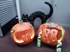 Check out these pumpkin carving skills! No. 88 rear-tire carrier Matt Ver Meer's pumpkin (left) and No. 88 front-tire carrier Kevin Harris' pumpkin (right). Ver Meer and Harris decided to join in the fun by carving their own Hendrick Motorsports-themed pumpkins to help remind fans to do the same.
