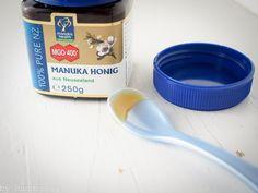 Manuka Honig für Hunde richtige Anwendung und Dosierung www.Hunderosa.de/blog/