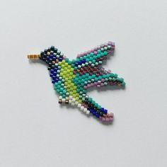 Colibri fini #jenfiledesperlesetjassume #colibri #broche #alittlemarket…