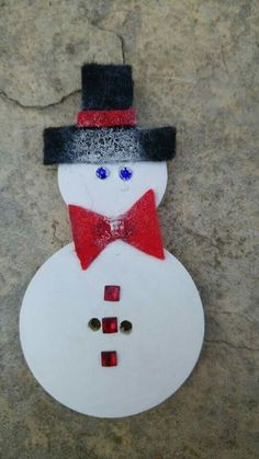 Snowman. It's amazing to be making one. Unfortunately, it is not a good idea to bring the #snowman at home. Well, this one you can. Don't miss your chance #button #christmas #decoration #home