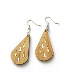 Boucles d'oreilles bois motifs pluie dorée & argentée, découpe laser, design création fabrication artisanale en France graphique géométrique