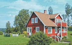 Holiday home Bassalt Kn�red Kn�red Holiday home Bassalt Kn?red offers accommodation in Sj?ared, 38 km from Halmstad. It provides free private parking.  A dishwasher and a microwave can be found in the kitchen. A TV is offered. There is a private bathroom with a bath or shower.