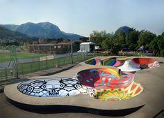 As rampas do skatepark da cidade de Lugano, Suíça, não servem apenas para se andar de skate, são também murais de art...