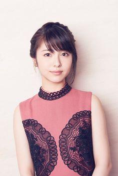浜辺美波 Beautiful Japanese Girl, Japanese Beauty, Beautiful Asian Girls, Asian Beauty, Ideal Girl, Girls In Love, Cute Girls, Prity Girl, Japan Girl