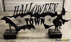 Make your own custom metal Halloween Decorations! Perfect for you yard! You can make anything on a PlasmaCAM plasma cutting machine! Halloween Silhouettes, Halloween Art, Halloween Decorations, Cnc Plasma Table, Custom Metal Art, Steel Art, Plasma Cutting, Metal Projects, Silhouette Design