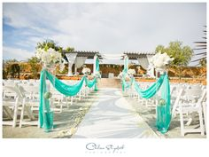 Tiffany Blue wedding | Outdoor Ceremony Decor | The Vineyards Simi Valley, Ca Wedding Photography | By: Chelsea Elizabeth Photography | http://chelseaelizabeth.com/