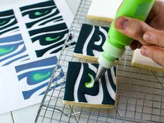 Seattle Seahawks Cookies- Tips on Icing Sports Logos