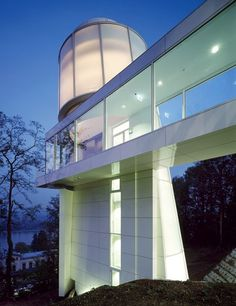 At Germany's Arp Museum Bahnhof Rolandseck (2007), a translucent tower overlooks the Rhine.