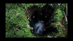 Parque ecoarqueológico Ik Kil Cenote, en México: esta hermosa piscina se encuentra a 26 metros debajo del suelo.